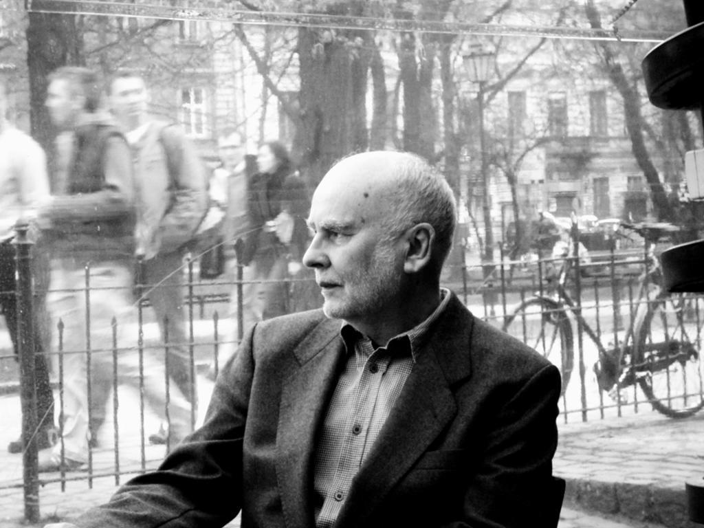<strong><em>Carta de un lector: homenaje a Adam Zagajewski</em></strong>